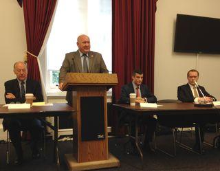 Caucus_briefing